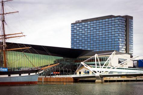 Hotel Exterior - Hilton Melbourne South Wharf
