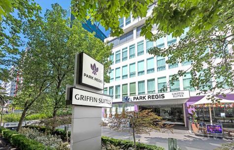 External Shot - Park Regis Griffin Suites
