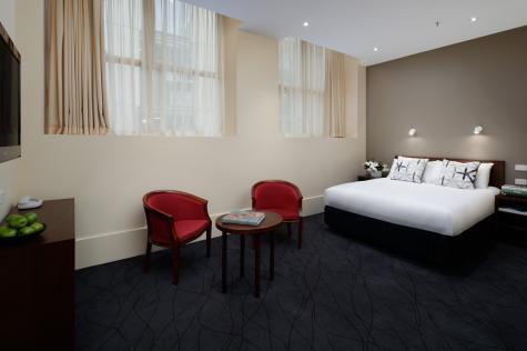 Heritage Queen Room - The Victoria Hotel
